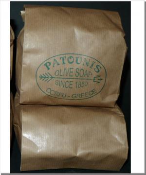 patounis gr ne olivenseife geraspelte seifenflocken ihr portal f r produkte aus korfu und. Black Bedroom Furniture Sets. Home Design Ideas